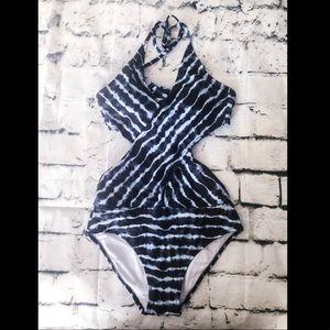 Frigidly one piece swim suit